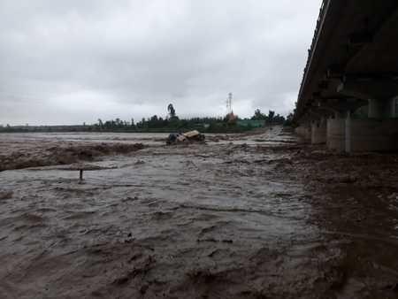 कोटावाली नदी में अचानक बढ़ा पानी, प्रभावित गांव खाली कराये