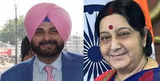 PAK मीडिया हामिद मीर ने कहा, करतारपुर कॉरिडोर को लेकर अपने बयान बदल रही हैं, सुषमा स्वराज