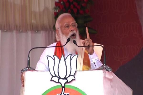 पलक्कड में PM मोदी ने चुनावी सभा को किया संबोधित, कांग्रेस और लेफ्ट पर साधा निशाना