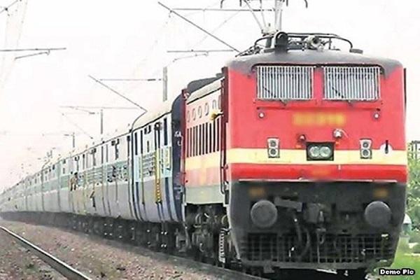 यूपी: कोरोना के खौफ में रद्द की गईं 10 पैसेंजर ट्रेन