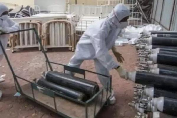 पटना में ऑक्सीजन सिलेंडर के लिए हाहाकार, NMCH के सुप्रिटेंडेंट बोले- पद मुक्त कर दे सरकार