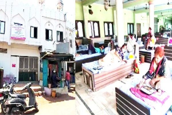 गुजरात में कोरोना का कहर, कोविड सेंटर में तब्दील की जहांगीरपुरा मस्जिद