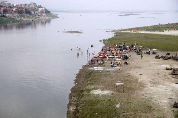 गंगा में बहते शव को लेकर NHRC सख्त, यूपी-बिहार सरकार को जारी किया नोटिस, मांगी रिपोर्ट