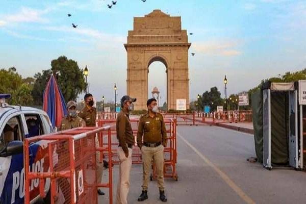 दिल्लीः पीएम मोदी के खिलाफ अपमानजनक पोस्टर लगाने वाले 9 लोग गिरफ्तार