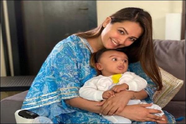 अनीता हसनंदानी ने शेयर की पति रोहित और बेटे आरव की फोटो, लिखा - 'लाइफलाइन'
