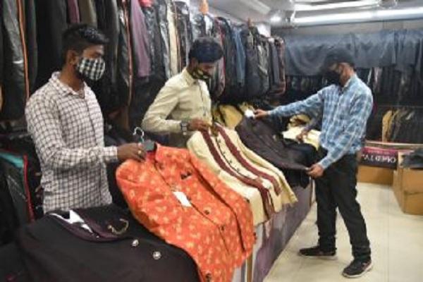 उदयपुर के व्यापारियों की बड़ी पहल, वैक्सीन का सर्टिफिकेट दिखाओ, 500 रुपये की छूट पाओ