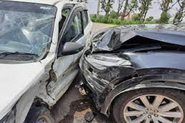 हरियाणा के पूर्व सीएम ओम प्रकाश चौटाला की कार का एक्सीडेंट, बाल-बाल बचे