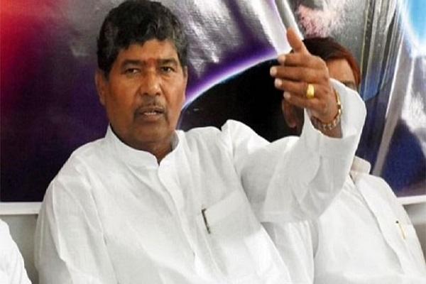 चिराग पासवान के चाचा पशुपति पारस निर्विरोध चुने गए लोकसभा में LJP संसदीय दल के नेता