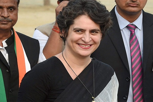 प्रियंका का यूपी कांग्रेस को आदेश, महंगाई के खिलाफ तेज करे प्रदर्शन, यूपी कांग्रेस  ने कहा यूपी सरकार हर मुद्दे पर विफल है