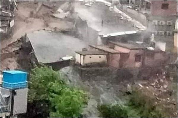 उत्तराखंड में बादल फटने से भारी तबाही, 3 लोगों की मौत, 4 लापता, NDRF  का रेस्क्यू ऑपरेशन जारी