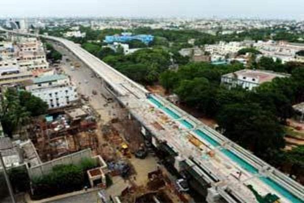 मुंबई के BKC इलाके में निर्माणाधीन पुल ढहा, 21 लोग हुए घायल