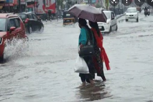 यूपी में भारी बारिश ने बरपाया कहर,13 लोगों की मौत,आज और कल स्कूल बंद