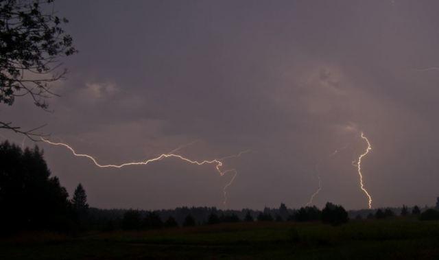 Agara : जिलाधिकारी ने तूफान को लेकर किया अलर्ट